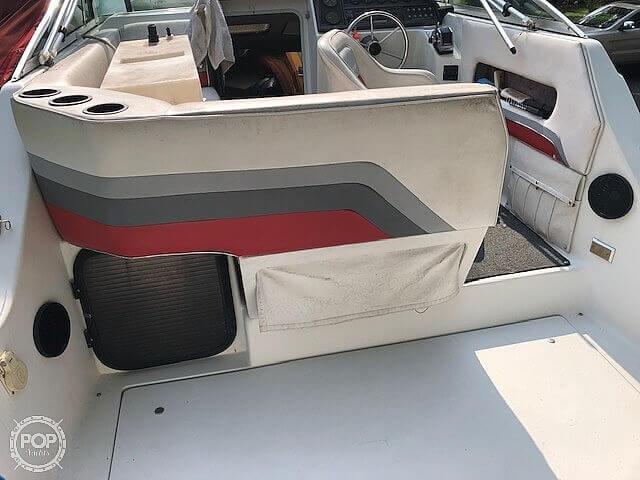 1990 Rinker boat for sale, model of the boat is Fiesta V 250 & Image # 8 of 13