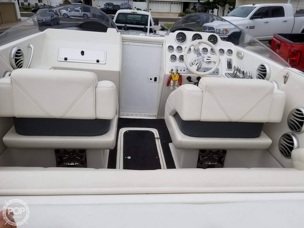 2004 Eliminator boat for sale, model of the boat is Daytona 30 & Image # 11 of 41