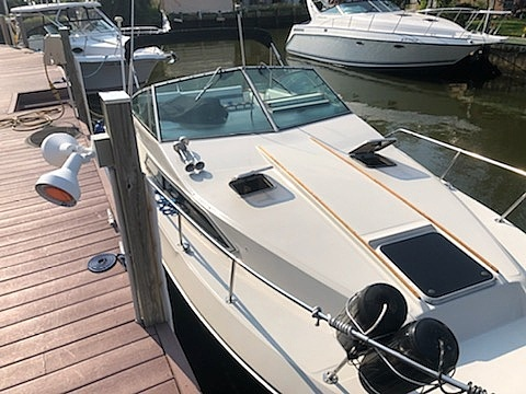 1986 Sea Ray boat for sale, model of the boat is 270 Sundancer & Image # 5 of 40