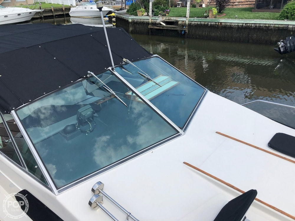 1986 Sea Ray boat for sale, model of the boat is 270 Sundancer & Image # 11 of 40