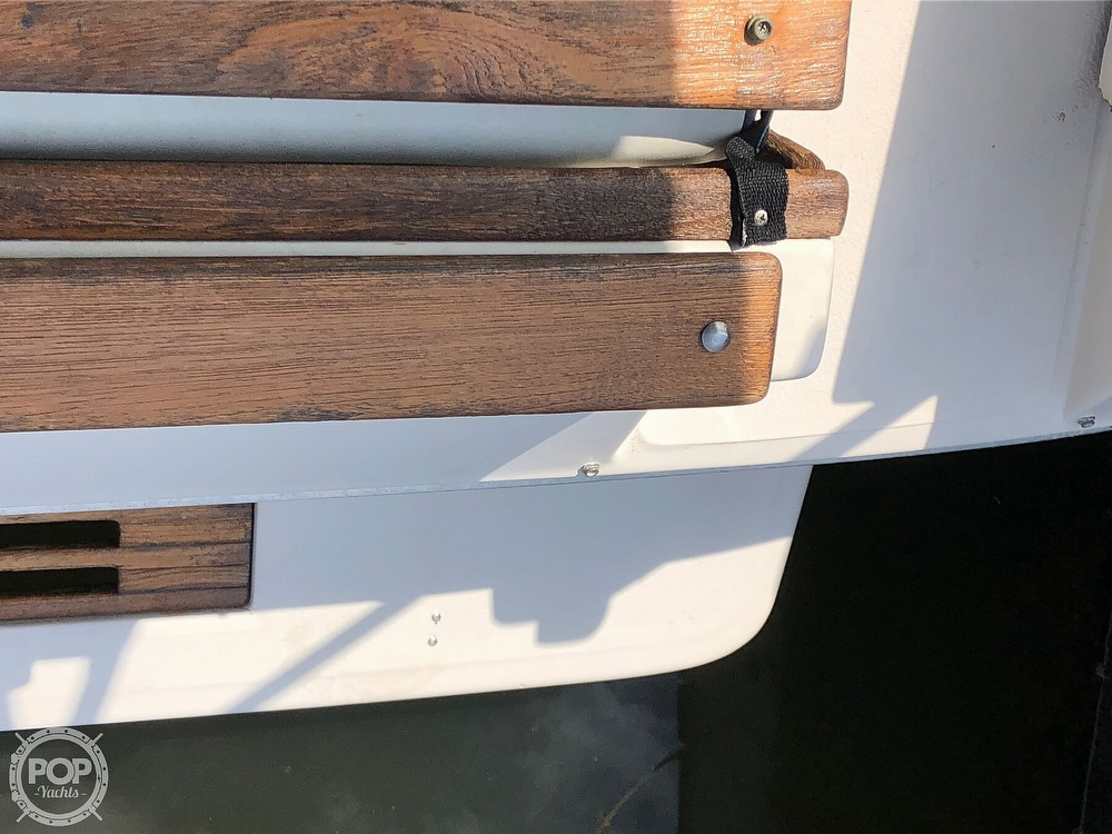 1986 Sea Ray boat for sale, model of the boat is 270 Sundancer & Image # 30 of 40