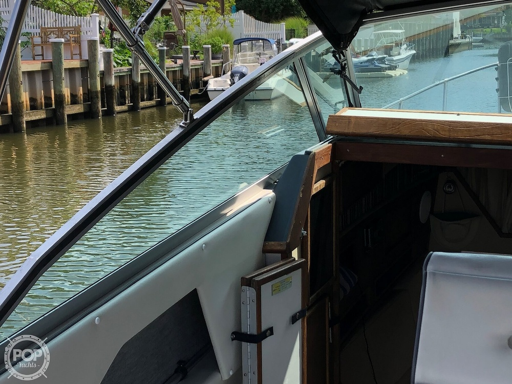 1986 Sea Ray boat for sale, model of the boat is 270 Sundancer & Image # 35 of 40