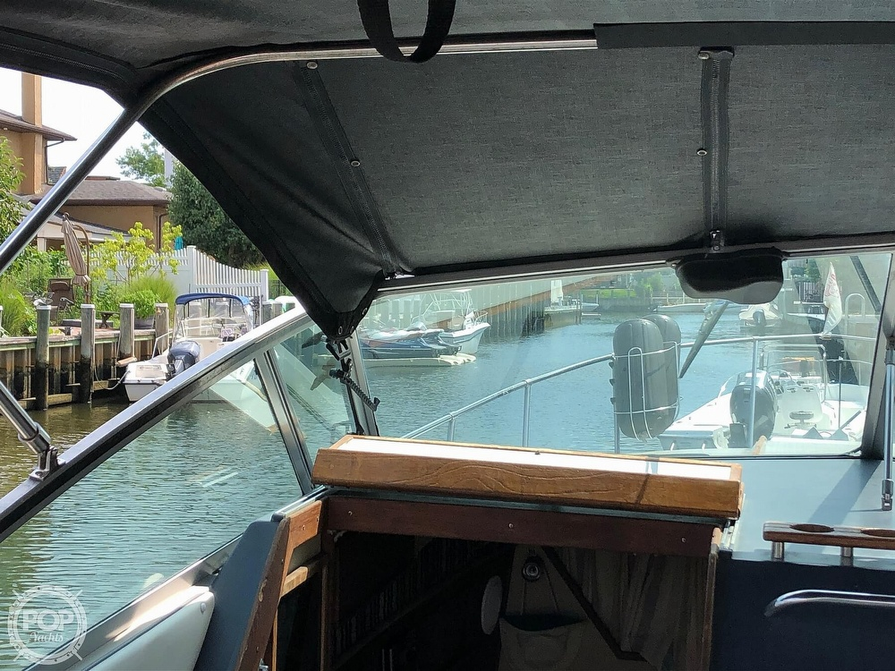 1986 Sea Ray boat for sale, model of the boat is 270 Sundancer & Image # 36 of 40