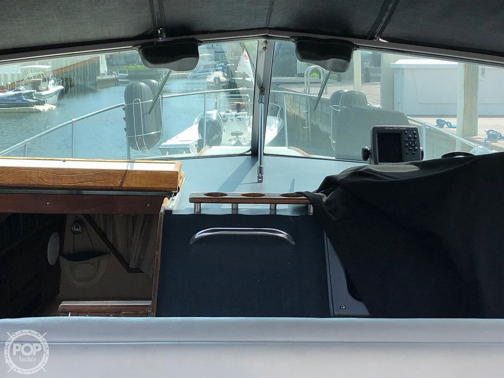 1986 Sea Ray boat for sale, model of the boat is 270 Sundancer & Image # 37 of 40