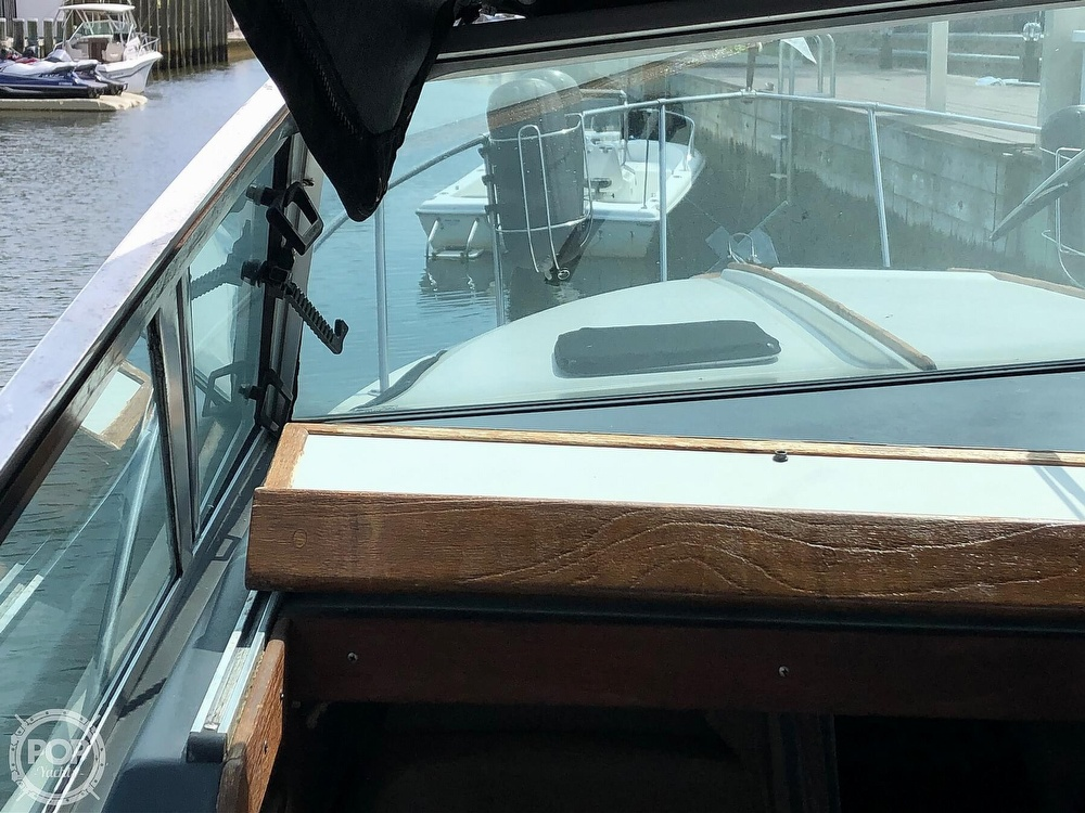 1986 Sea Ray boat for sale, model of the boat is 270 Sundancer & Image # 39 of 40
