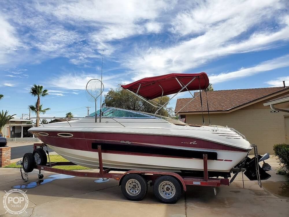 1994 Sea Ray boat for sale, model of the boat is 240 Signature Overnighter & Image # 4 of 40