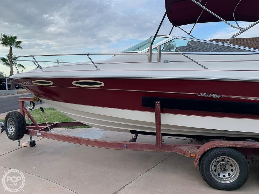 1994 Sea Ray boat for sale, model of the boat is 240 Signature Overnighter & Image # 13 of 40