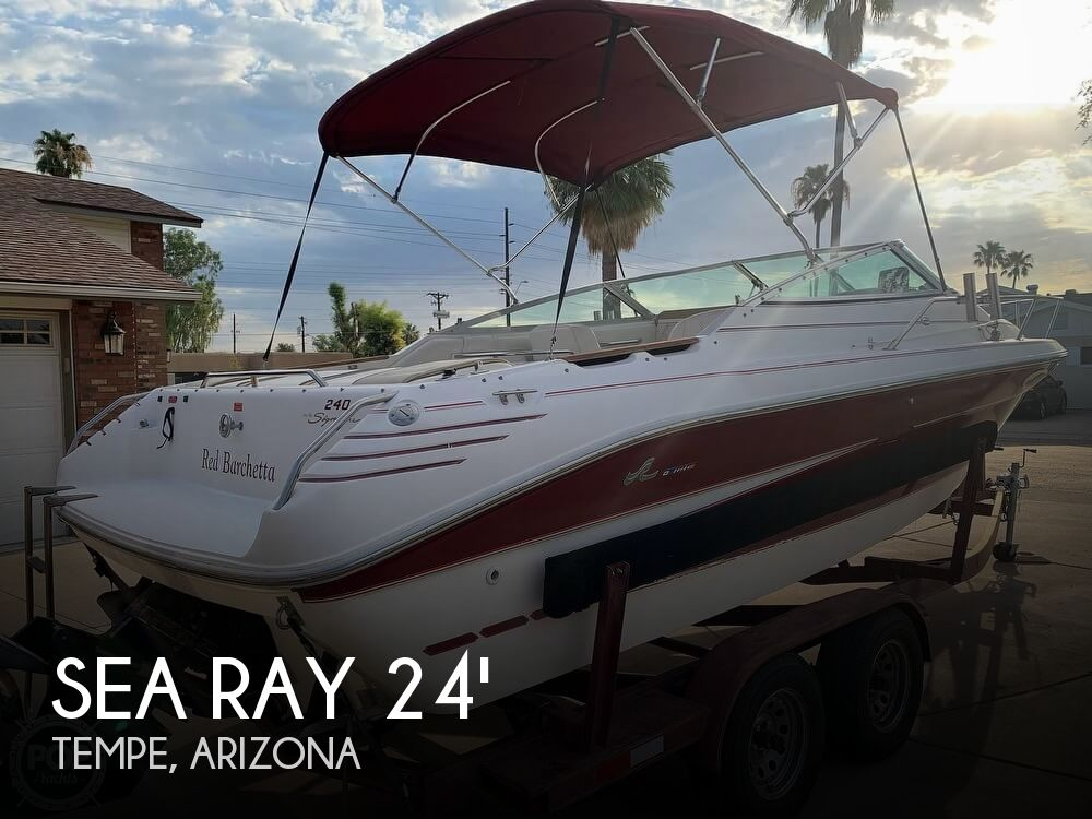 1994 Sea Ray boat for sale, model of the boat is 240 Signature Overnighter & Image # 1 of 40