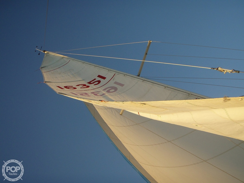 1984 Islander boat for sale, model of the boat is 28 & Image # 4 of 40