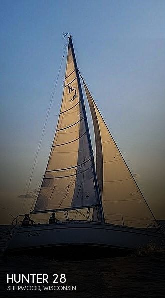 Used Sailboats For Sale in Appleton, Wisconsin by owner | 1990 Hunter 28