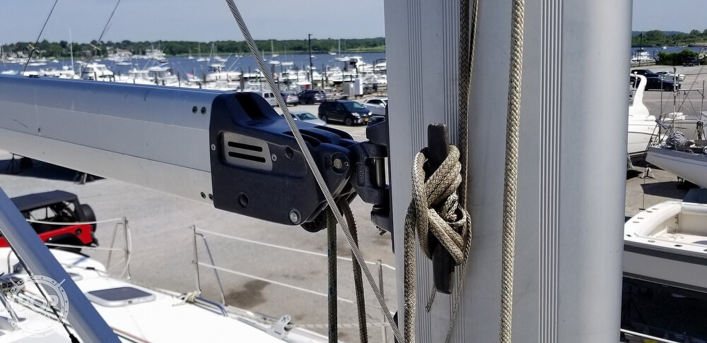 2002 Hunter boat for sale, model of the boat is 410 & Image # 14 of 40