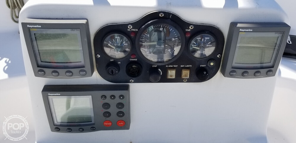 2002 Hunter boat for sale, model of the boat is 410 & Image # 9 of 40