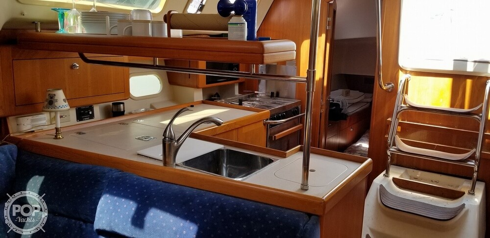 2002 Hunter boat for sale, model of the boat is 410 & Image # 24 of 40