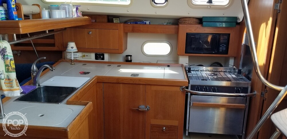 2002 Hunter boat for sale, model of the boat is 410 & Image # 25 of 40