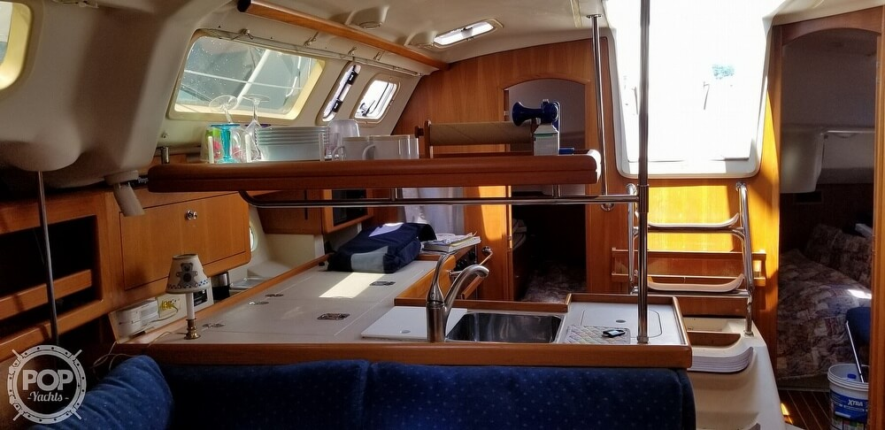 2002 Hunter boat for sale, model of the boat is 410 & Image # 31 of 40
