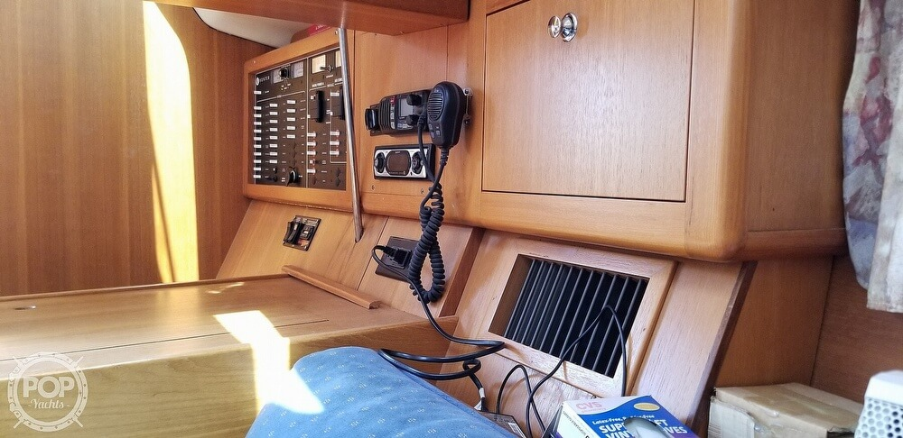 2002 Hunter boat for sale, model of the boat is 410 & Image # 26 of 40