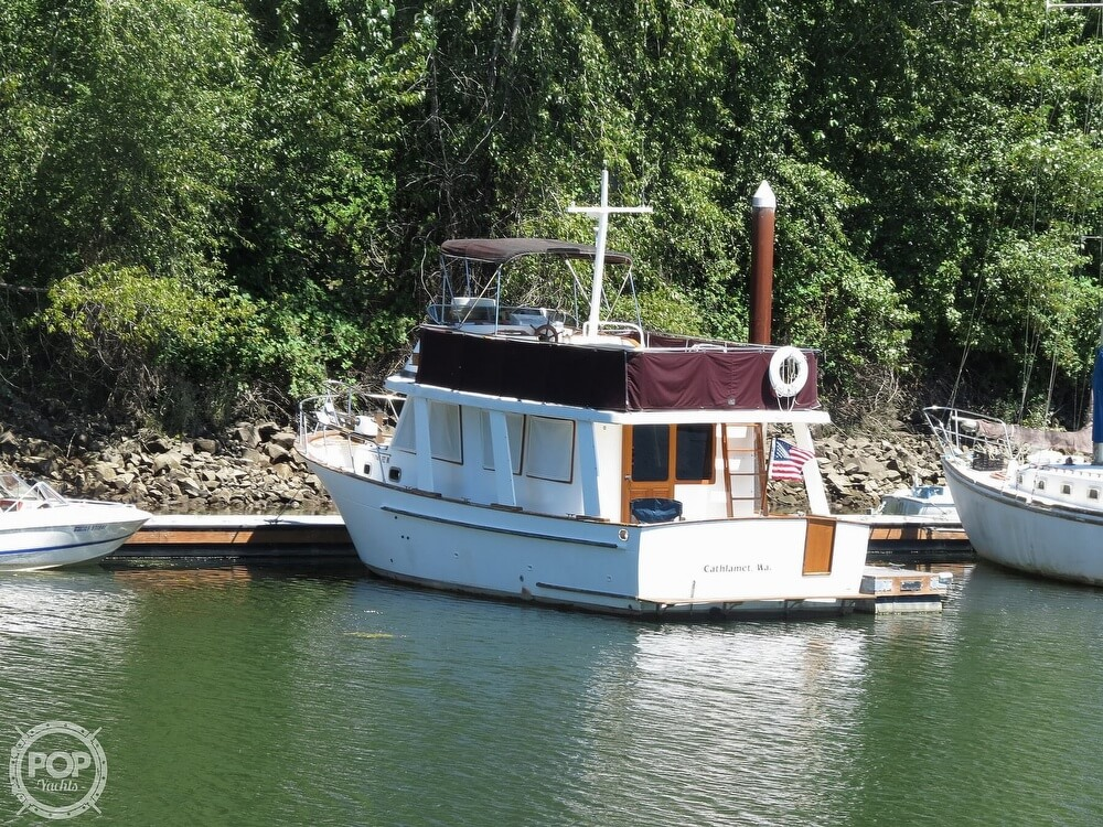 1983 CHB boat for sale, model of the boat is 35 Europa Sedan & Image # 37 of 40