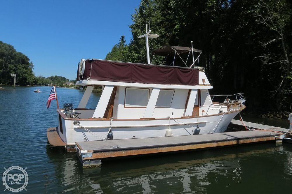 1983 CHB boat for sale, model of the boat is 35 Europa Sedan & Image # 11 of 40