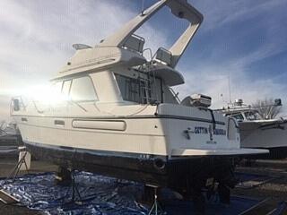 2001 Bayliner boat for sale, model of the boat is 3388 Sedan & Image # 30 of 31