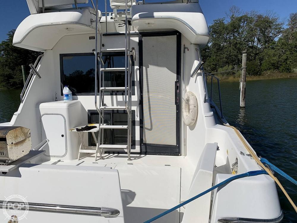 2001 Bayliner boat for sale, model of the boat is 3388 Sedan & Image # 12 of 40