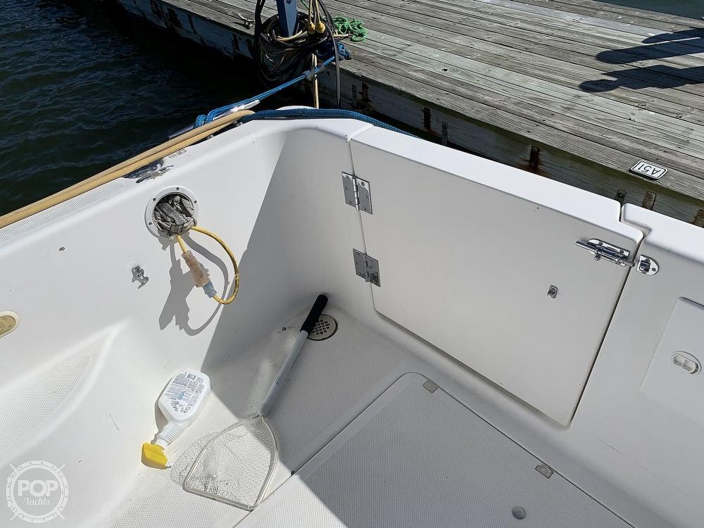 2001 Bayliner boat for sale, model of the boat is 3388 Sedan & Image # 23 of 40