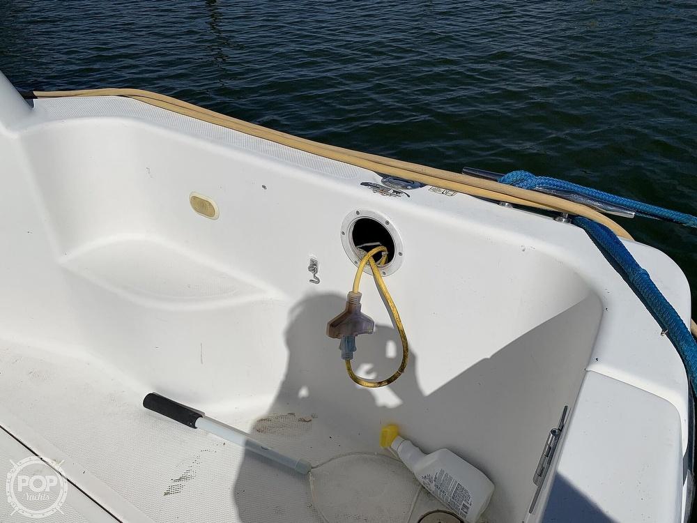 2001 Bayliner boat for sale, model of the boat is 3388 Sedan & Image # 21 of 40