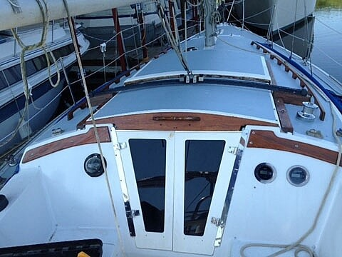 1975 Catalina Yachts boat for sale, model of the boat is 30 & Image # 2 of 8