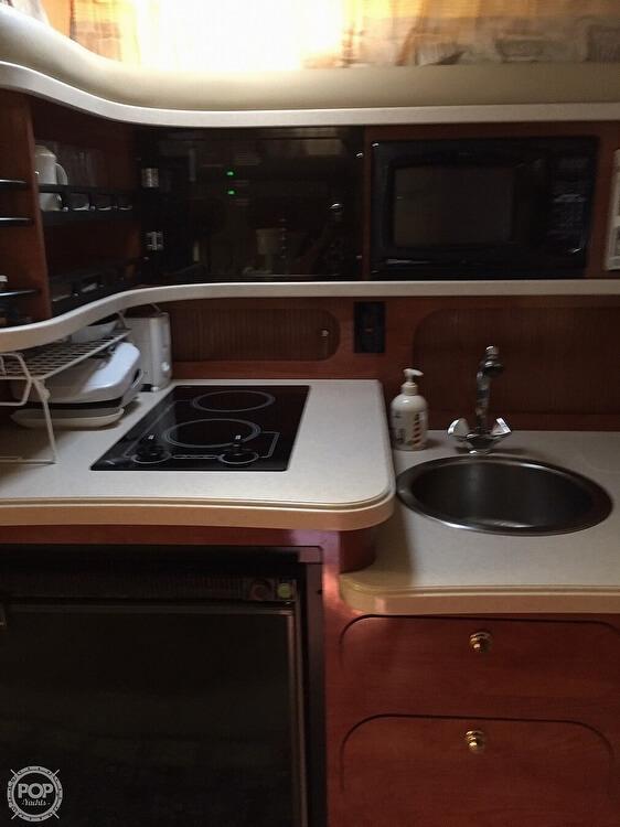 2002 Rinker boat for sale, model of the boat is Fiesta Vee 342 & Image # 11 of 40