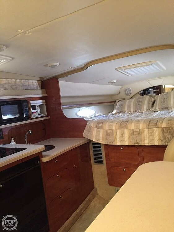 2002 Rinker boat for sale, model of the boat is Fiesta Vee 342 & Image # 16 of 40
