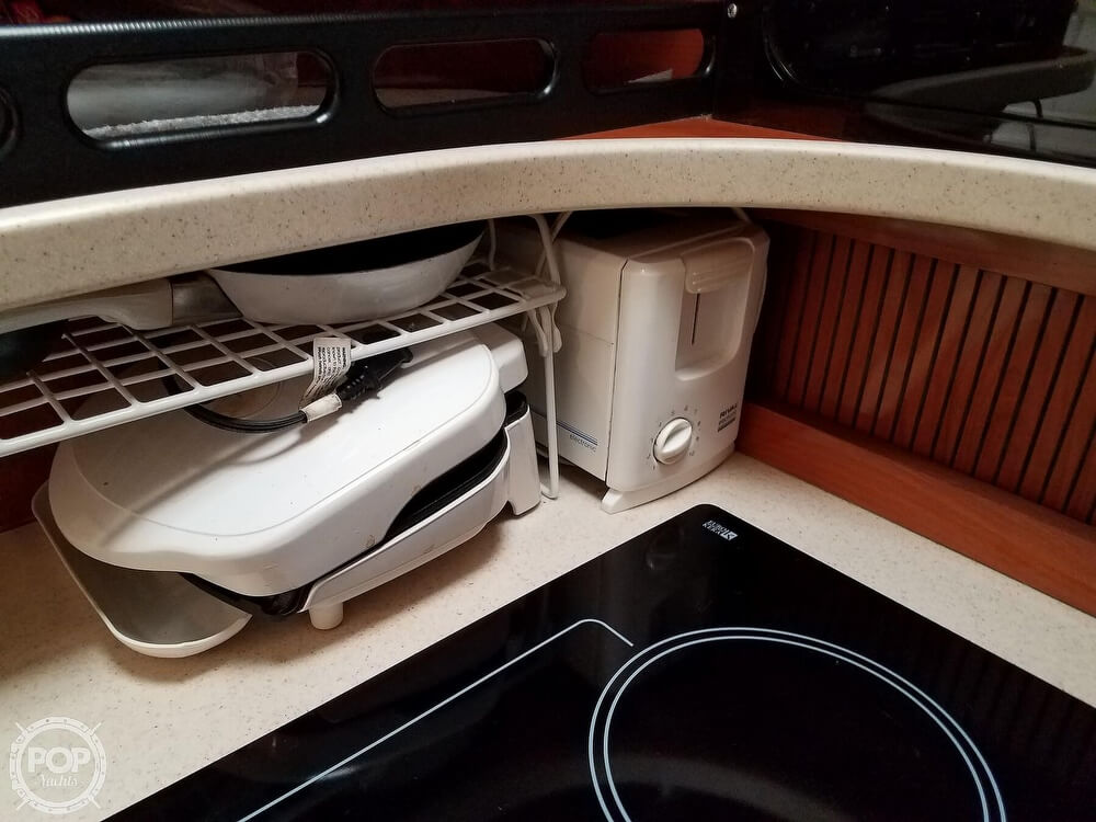 2002 Rinker boat for sale, model of the boat is Fiesta Vee 342 & Image # 24 of 40