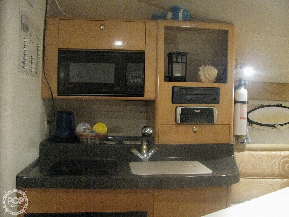 2001 Larson boat for sale, model of the boat is Cabrio 270 & Image # 7 of 40