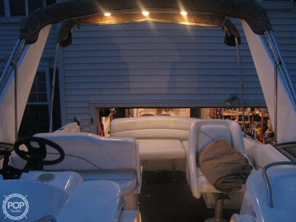 2001 Larson boat for sale, model of the boat is Cabrio 270 & Image # 17 of 40