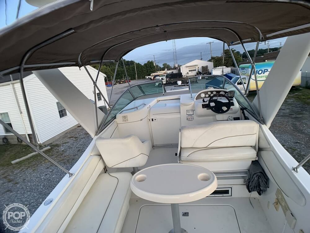 2001 Larson boat for sale, model of the boat is Cabrio 270 & Image # 4 of 40