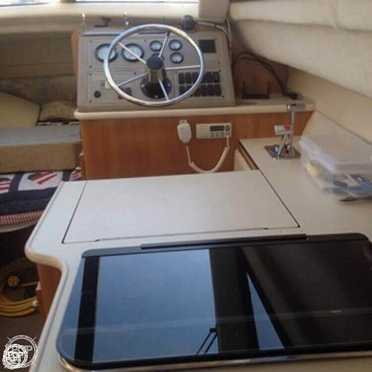 2001 Bayliner boat for sale, model of the boat is 2858 CIERA COMMAND BRIDGE & Image # 13 of 37