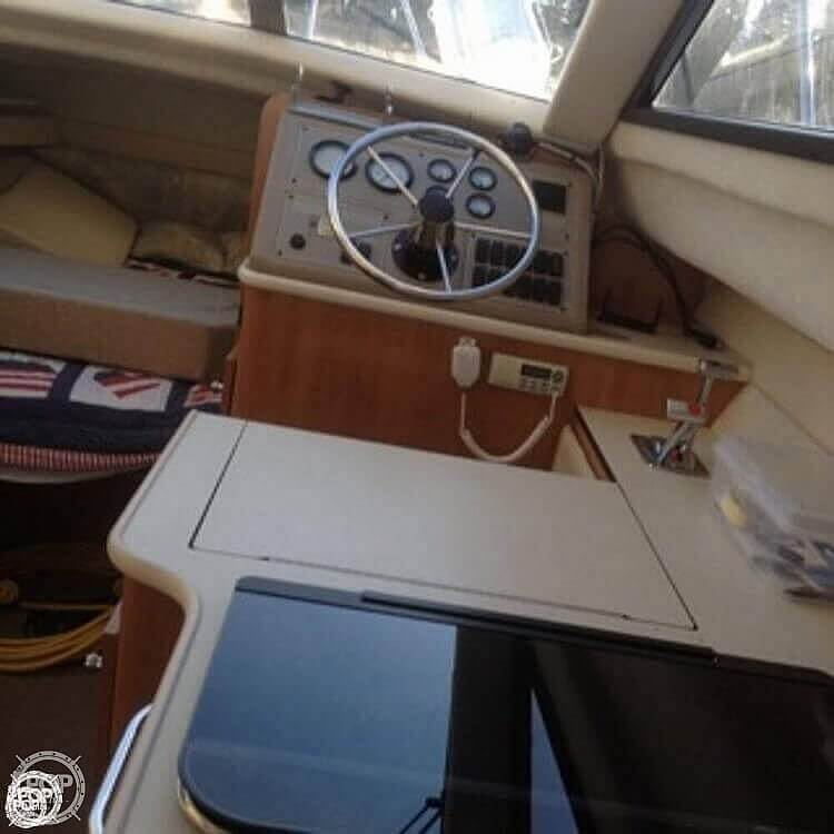 2001 Bayliner boat for sale, model of the boat is 2858 CIERA COMMAND BRIDGE & Image # 14 of 37
