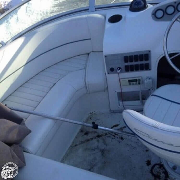 2001 Bayliner boat for sale, model of the boat is 2858 CIERA COMMAND BRIDGE & Image # 16 of 37