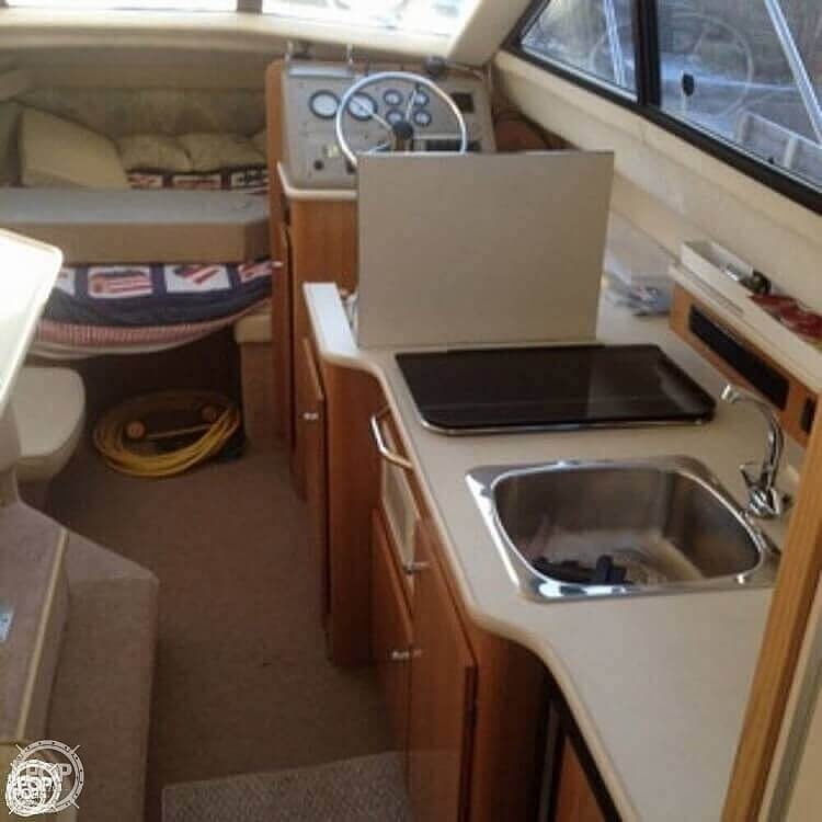 2001 Bayliner boat for sale, model of the boat is 2858 CIERA COMMAND BRIDGE & Image # 18 of 37