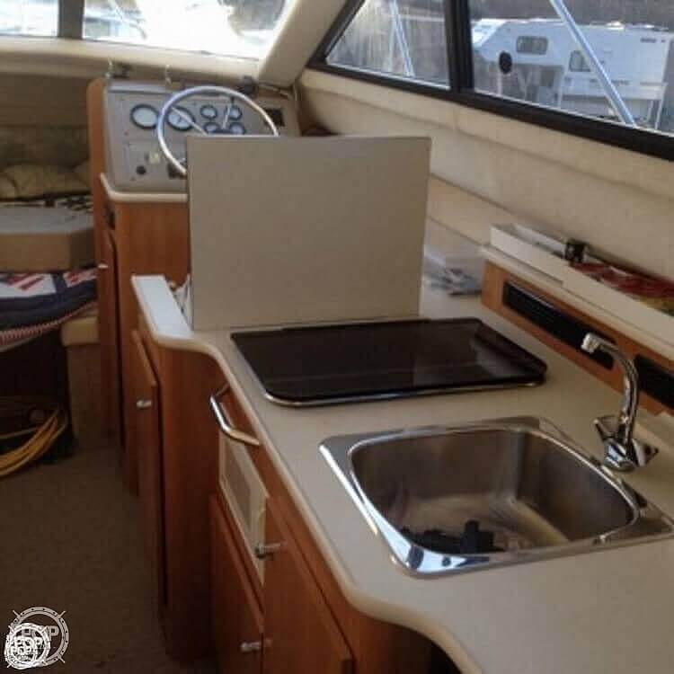 2001 Bayliner boat for sale, model of the boat is 2858 CIERA COMMAND BRIDGE & Image # 20 of 37