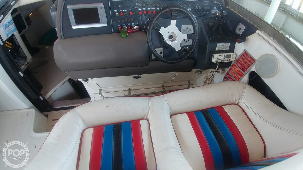 1991 Sea Ray boat for sale, model of the boat is 370 Sunsport & Image # 33 of 40