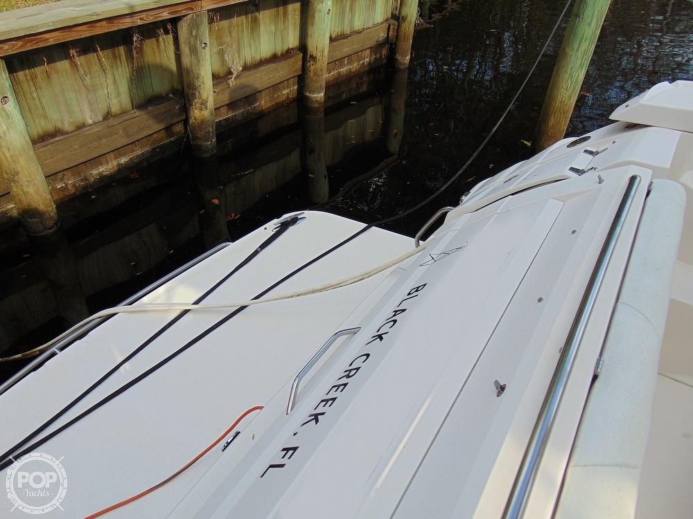 2005 Regal boat for sale, model of the boat is 3560 Commodore & Image # 39 of 40