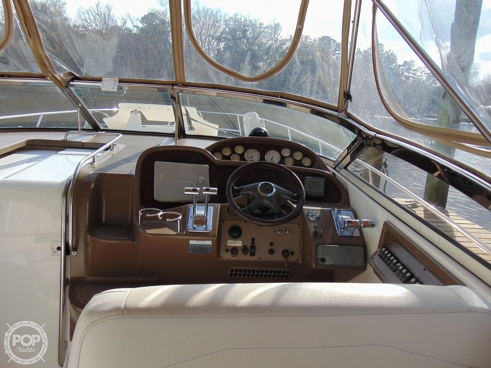 2005 Regal boat for sale, model of the boat is 3560 Commodore & Image # 3 of 40