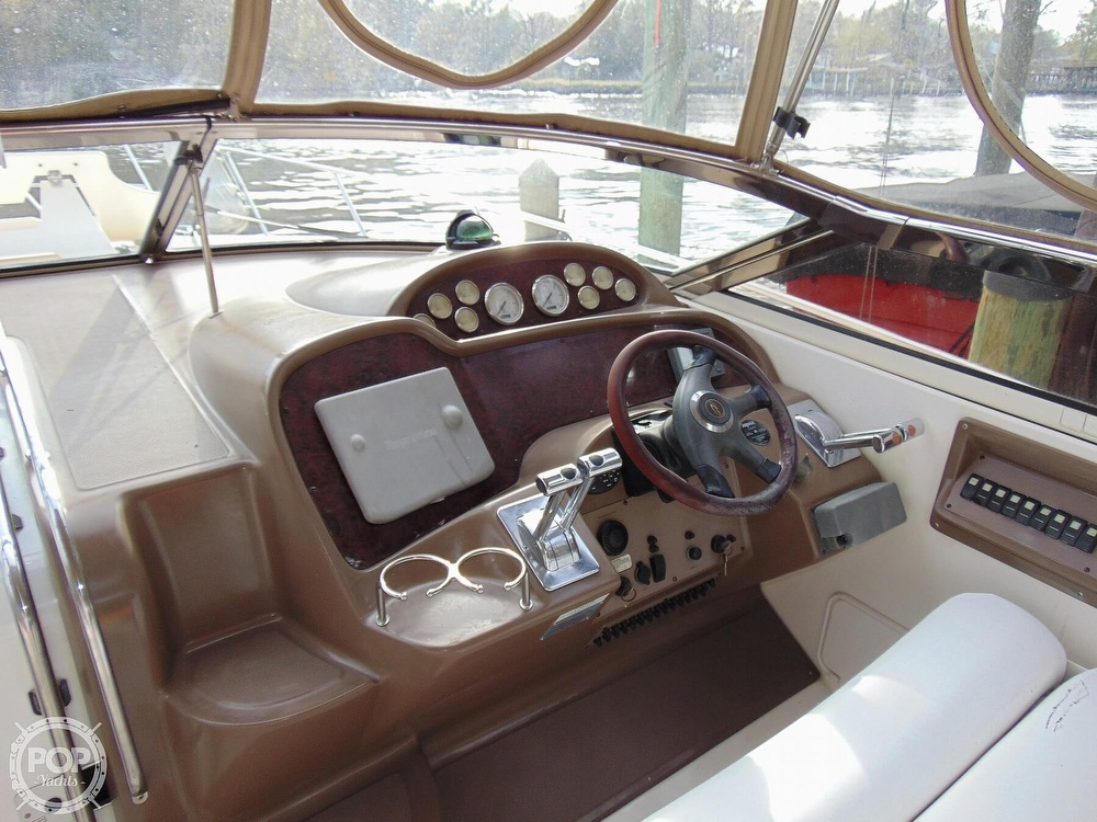 2005 Regal boat for sale, model of the boat is 3560 Commodore & Image # 10 of 40