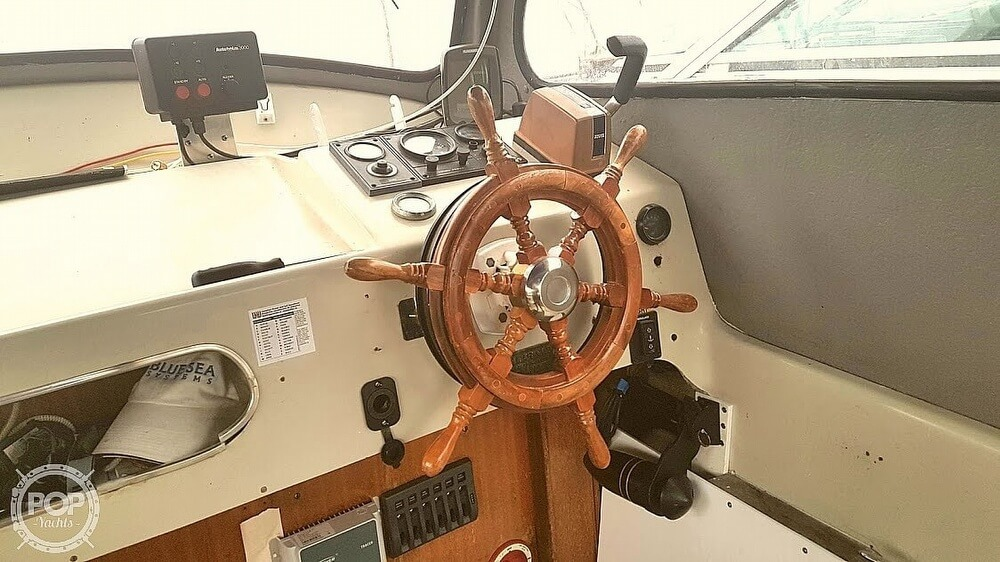 1976 Albin Yachts boat for sale, model of the boat is 25 Deluxe & Image # 13 of 41