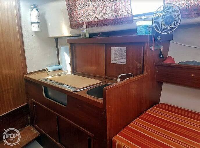 1976 Albin Yachts boat for sale, model of the boat is 25 Deluxe & Image # 22 of 41
