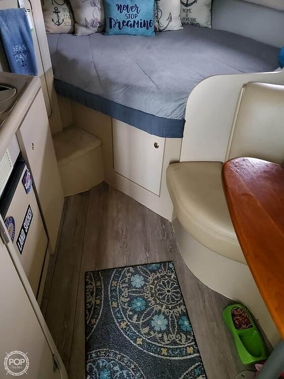 2000 Cruisers Yachts boat for sale, model of the boat is 2870 & Image # 5 of 11