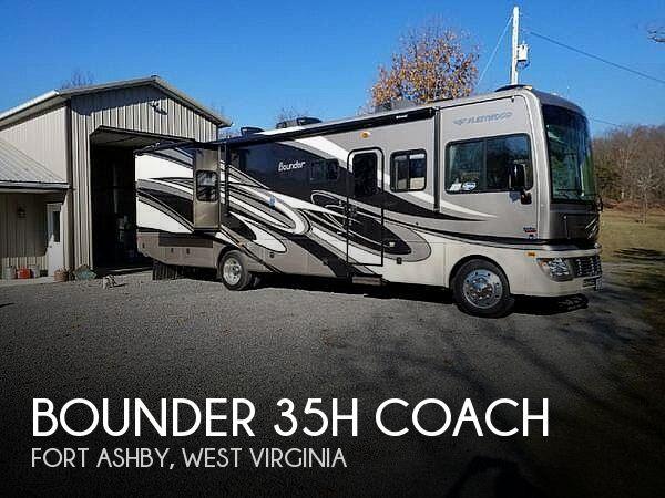 2011 Fleetwood Bounder 35H Coach