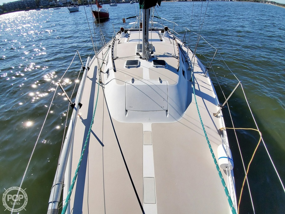 1985 Catalina Yachts boat for sale, model of the boat is 36 & Image # 9 of 40