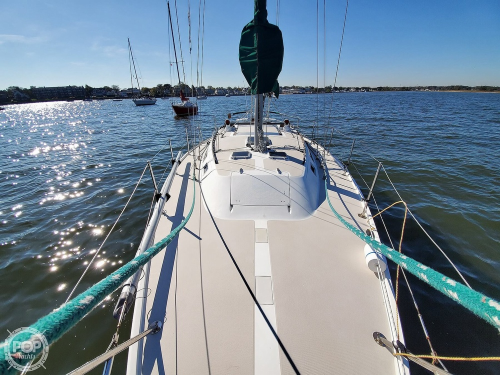 1985 Catalina Yachts boat for sale, model of the boat is 36 & Image # 10 of 40