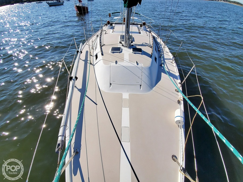 1985 Catalina Yachts boat for sale, model of the boat is 36 & Image # 12 of 40