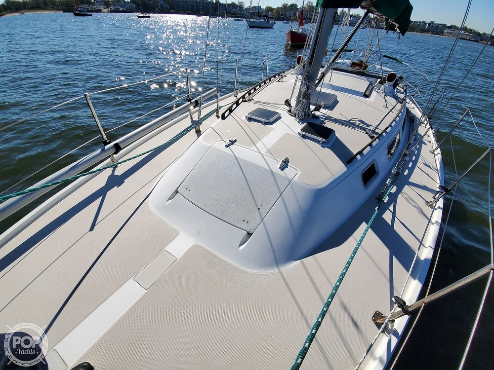 1985 Catalina Yachts boat for sale, model of the boat is 36 & Image # 13 of 40
